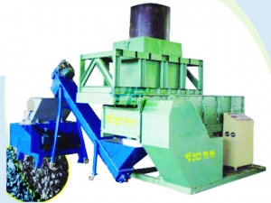 Single shaft pipe shredder